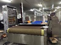 黄粉虫微波干燥膨化设备