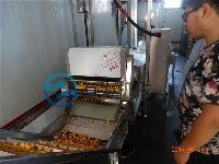 炸鱼豆腐设备全自动鱼豆腐油炸机
