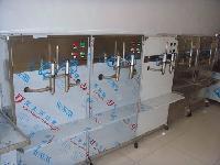 小型定量灌装机  活塞式灌装机