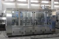 果汁饮料设备全自动三合一灌装机