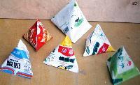 供应三角包茶叶花生米蓝莓枸杞等三角包立式自动包装机厂家直
